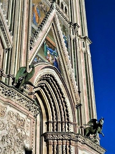 Gothic Glory in Orvieto - Gallery Slide #12