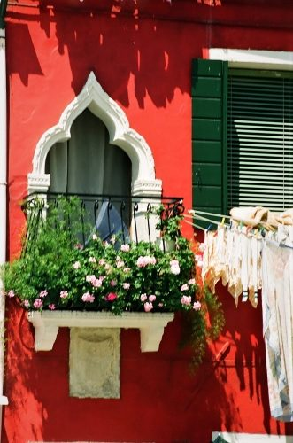 Burano's Candy-Colored Casas - Gallery Slide #5