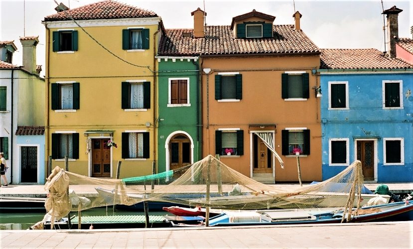 Burano's Candy-Colored Casas - Gallery Slide #18