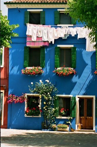 Burano's Candy-Colored Casas - Gallery Slide #34
