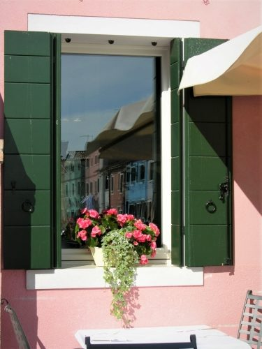 Burano's Candy-Colored Casas - Gallery Slide #21