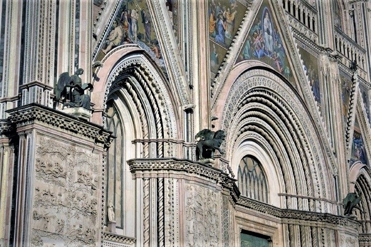 Gothic Glory in Orvieto - Gallery Slide #8