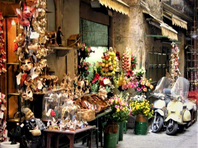 Naples: Beauty or Beast? - Gallery Slide #6