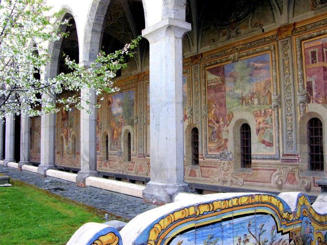 Naples: Beauty or Beast? - Gallery Slide #12