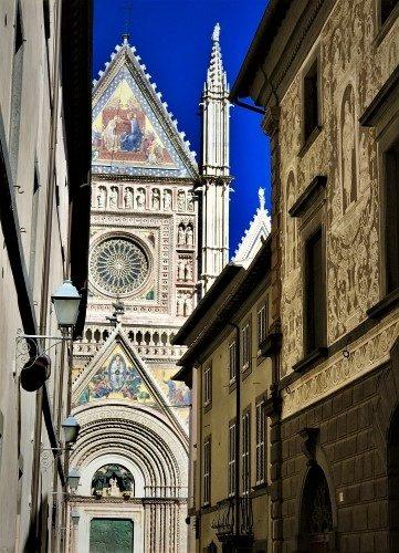 Gothic Glory in Orvieto - Gallery Slide #1