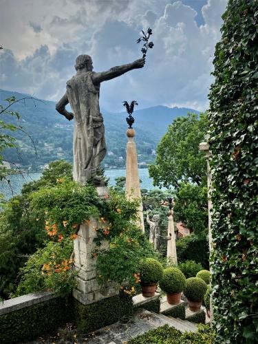 The Jewels of Lago Maggiore - Gallery Slide #38
